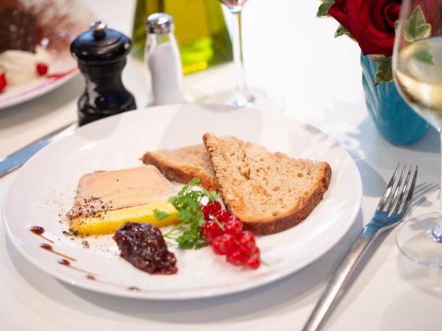 LE MOULIN DE LA GALETTE Terrine de foie gras de canard et son chutney